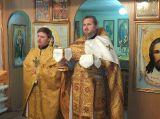 В день памяти апостола и евангелиста Матфея благочинный Восточного Церковного округа совершил Литургию в храме преподобного Серафима Саровского поселка Шортанды