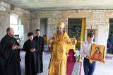 В Неделю 7-ю по Пятидестянице Преосвященный епископ Серапион совершил воскресную Литургию в строящемся храме Покрова Пресвятой Богородицы г. Державинска 23 июля 2017 года